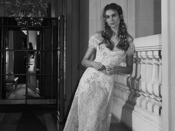Свадебные платья прямого силуэта - богатство простоты